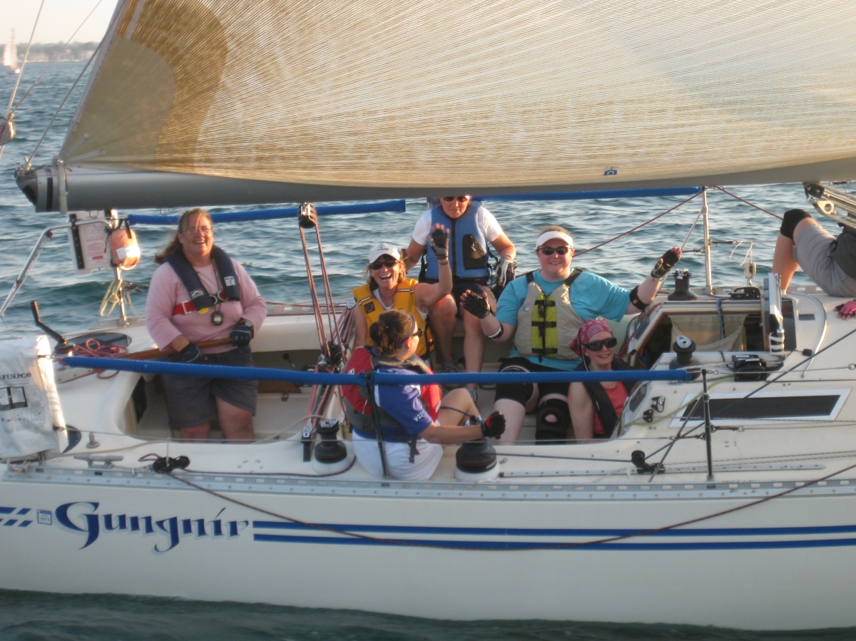 Do men still outnumber women in sailing?
